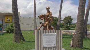 """Une stèle commémorative pour les """"enfants de la Creuse"""", à la Réunion. (REUNION 1ERE)"""