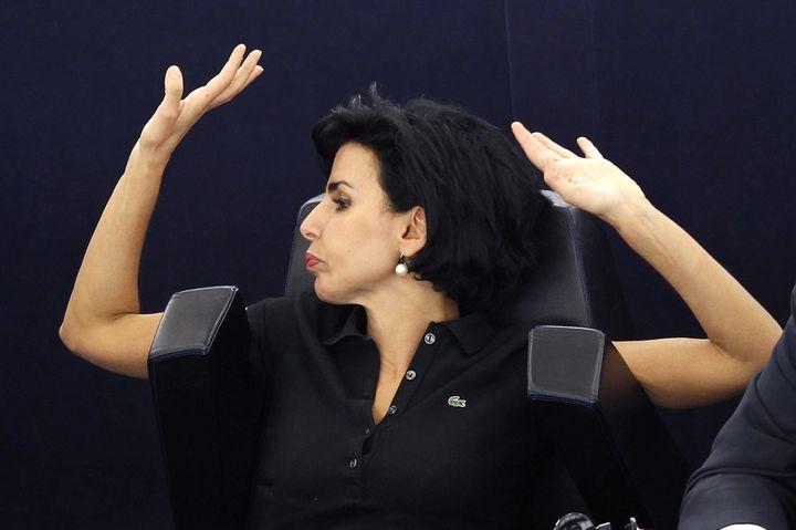 La députée européenne Rachida Dati lors d'un vote au Parlement européen à Strasbourg (Bas-Rhin), le 4 juillet 2012. (VINCENT KESSLER / REUTERS)