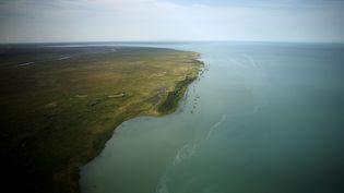 Vue aérienne du lac Balkhach au Kazakhstan. (PATRICK BAZ / AFP)