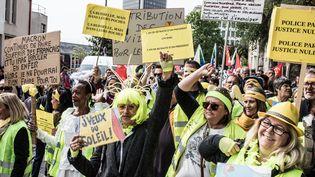 """Des """"gilets jaunes"""" à Nantes, le 1er mai 2019. (J?R?MIE LUSSEAU / HANS LUCAS / AFP)"""