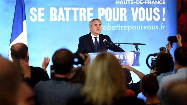 Le président sortant des Hauts-de-France, Xavier Bertrand, après la victoire de sa liste au second tour des élections régionales, dimanche 27 juin 2021 à Saint-Quentin (Aisne). (FRANCOIS LO PRESTI / AFP)