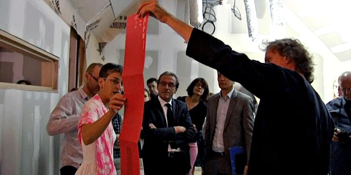 Roland Ries (au centre), maire de Strasbourg, en visite sur le chantier du musée de l'Oeuvre Notre-Dame
