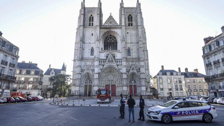 La cathédrale de Nantes (Loire-Atlantique), le 19 juillet 2020, au lendemain de l'incendie qui a détruit son grand orgue. (SEBASTIEN SALOM-GOMIS / AFP)