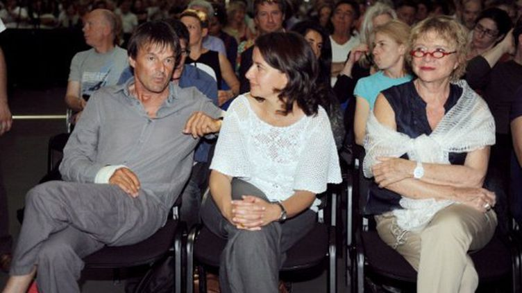 Cécile Duflot, encadré par Nicolas Hulot et Eva Joly (4 juin 2011) (AFP/JEAN-PIERRE MULLER)