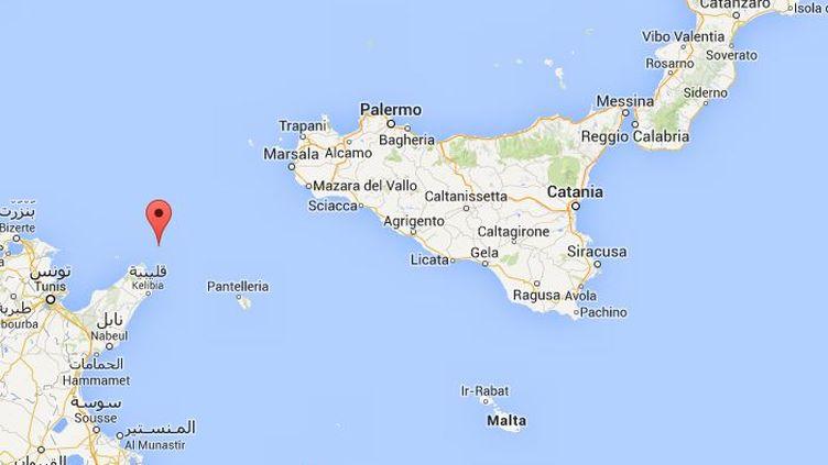 Une trentaine de cadavres ont été trouvés sur un bateau de migrants secouru dans la nuit du dimanche 29 au lundi 30 juin 2014,dans le canal de Sicile, qui sépare l'Italie des côtes nord-africaines. (GOOGLE MAPS)