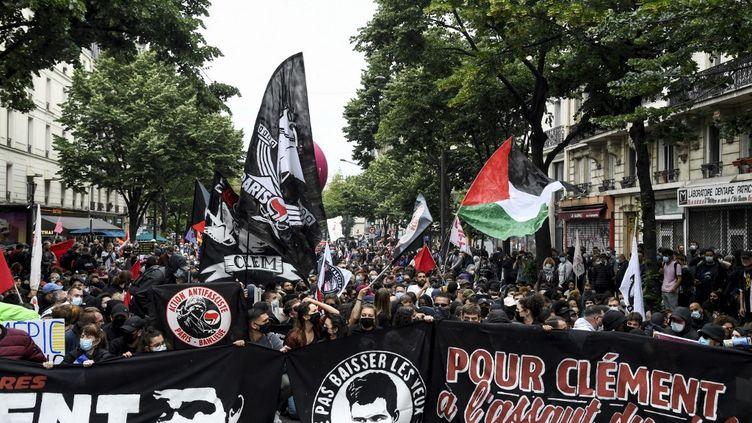 Une manifestation en mémoire du militant antifaciste Clément Méric, tué en 2013, à Paris, le 5 juin 2021. (BERTRAND GUAY / AFP)