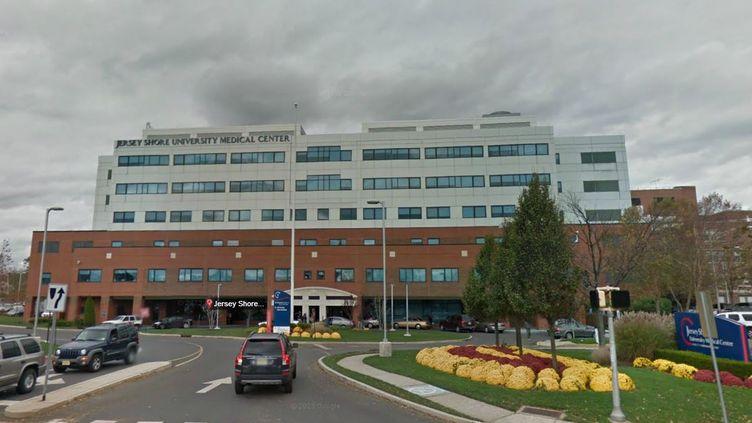 Capture d'écran Google Maps de l'entrée duJersey Shore University Medical Center, à Neptune (Etats-Unis). ( FRANCETV INFO)