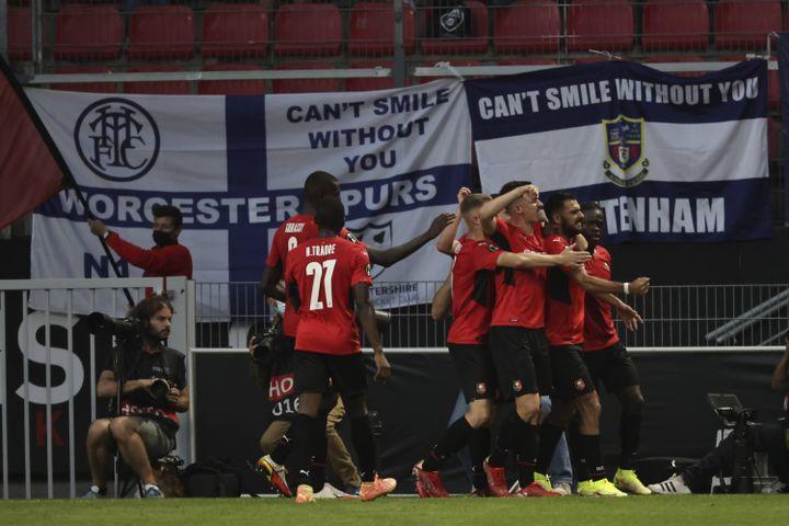 La joie des Rennais après leur deuxième but contre Tottenham, le 16 septembre 2021. (JEREMIAS GONZALEZ/AP/SIPA / SIPA)