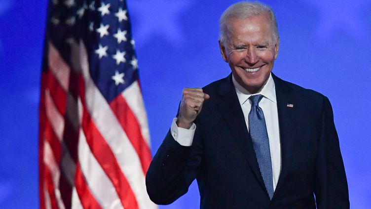 Joe Biden s'exprime depuis le Chase Center de Wilmington (Delaware, Etats-Unis) au lendemain de l'élection présidentielle, le 4 novembre 2020. (ANGELA  WEISS / AFP)