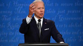 Le candidat démocrate Joe Biden, le 29 septembre 2020 à Cleveland (Ohio). (JIM WATSON / AFP)