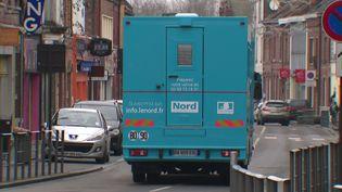 Le caminion itinérant France Service se déplace dans le département du Nord pour aider les habitants dans leurs démarches administratives. (FRANCEINFO)