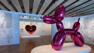 L'artiste vivant le plus cher du monde s'expose au Mucem à Marseille (Bouches-du-Rhône). L'exposition de Jeff Koons devrait ouvrir ses portes au public le 19 mai prochain. (CAPTURE ECRAN FRANCE 3)