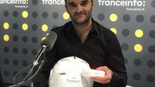 Romain Afflelou veut apporter un nouvel élément de sécurité aux motards avec son feu stop sans fil Cosmo Connected (JC)