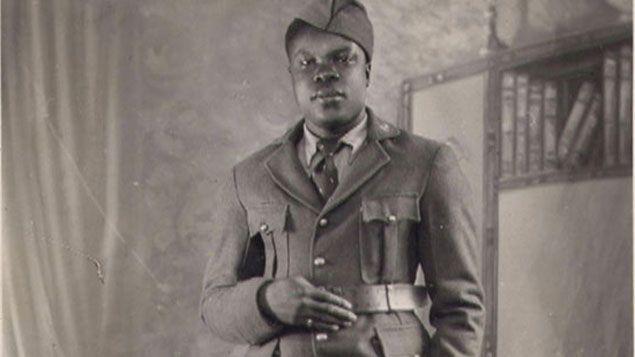 (Yves Abibou, tirailleur sénégalais. Son fils se bat aujourd'hui pour une réhabilitation qui lui a été refusée. Photo collection privée.)