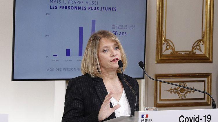 L'infectiologue Karine Lacombe à Paris, le 28 mars 2020. (GEOFFROY VAN DER HASSELT / POOL / AFP)