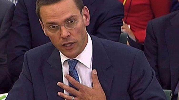 James Murdoch devant la commission parlementaire qui l'a entendu mardi au sujet de l'affaire des écoutes. (AFP- Parbul)