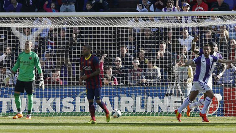 La déception des Barcelonais après le but inscrit par Fausto Rossi