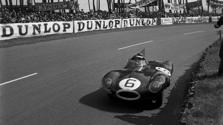 La Jaguar Type D de Hawthorn-Bueb aux 24 Heures du Mans 1955 (AFP)