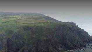 Manche : voyage en van à la découverte de la presqu'île du Cotentin, sauvage et bucolique (FRANCE 2)
