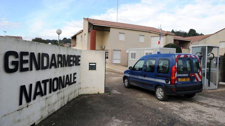 L'entrée de la gendarmerie de Bellegarde (Gard) le 7 novembre 2011 où un suspect est en garde à vue dans le cadre de l'enquête sur le meurtre d'Océane. (PASCAL GUYOT/AFP)