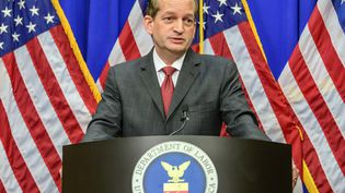Alexander Acosta, alors ministre du Travail de Donald Trump, à Washington (Etats-Unis), le 10 juillet 2019. (RON SACHS / CONSOLIDATED NEWS PHOTOS / AFP)