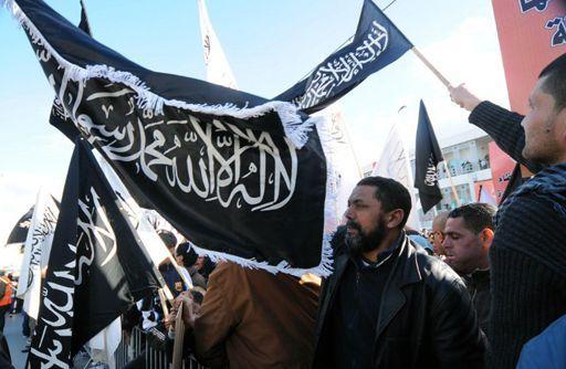 Manifestation salafiste à Tunis le 11 janvier 2013 pour demander l'application de la charia (AFP - SALAH HABIBI )