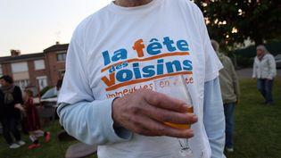 Une fête des voisins le 28 mai 2015, à Lille (Nord). (CITIZENSIDE/THIERRY THOREL / AFP)