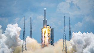 Lancement de la fusée Longue Marche 5, à Wenchang (Chine), le 23 juillet 2020 (HU ZHE / XINHUA)