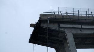Le viaduc Morandi s'est effondré à Gênes (Italie), le 14 août 2018. (ANDREA LEONI / AFP)