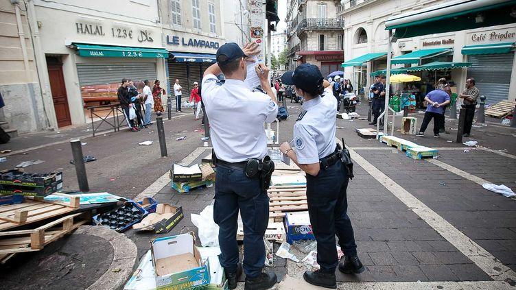 Opération de police dans le quartier de Noailles, à Marseille (Bouches-du-Rhône), le 18 septembre 2011. (MAGNIEN / SIPA)