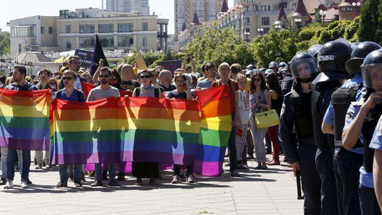 """(Une centaine de personnes s'étaient rassemblées pour """"la marche pour l'égalité"""" © Reuters)"""