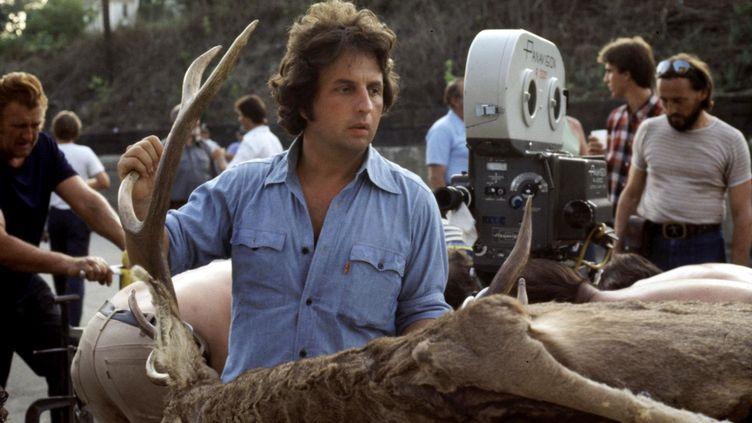 Le réalisateur Michael Cimino sur le tournage du film Voyage au bout de l'enfer, en 1978. (KOBAL)