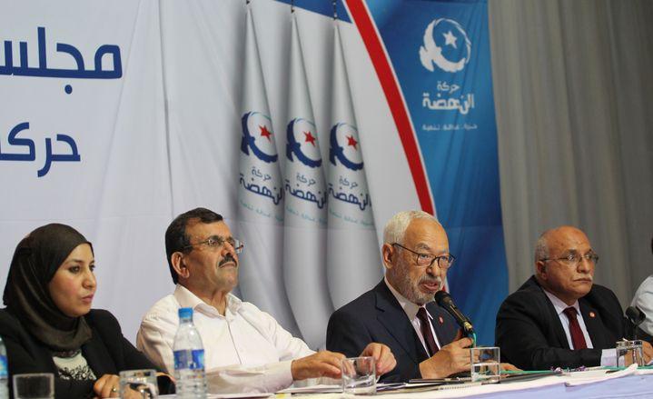 Le leader d'Ennahdha, Rached Ghannouchi (3e à partir de la gauche), s'exprime lors d'une réunion de la choura, organe consultatif du parti d'inspiration islamiste, le 19 octobre 2019 à Tunis. (MOHAMED HAMMI/SIPA)