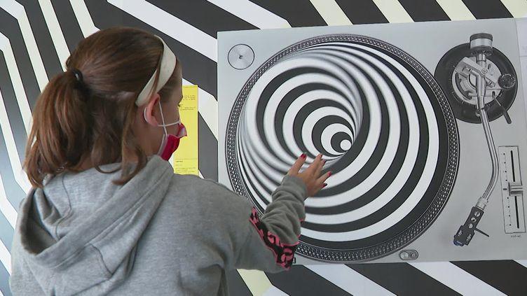 Illusions d'optique, hologrammes et expériences immersives sont à découvrir au musée de l'illusion à Lyon. (France 3 Rhône-Alpes)