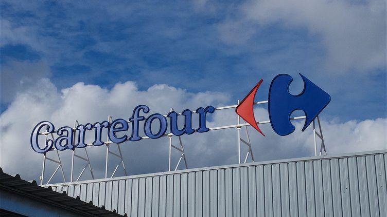 La direction de Carrefour et les syndicats ont commencé à négocier après la grève du 31 mars 2018. (PATRICK LEFEVRE / BELGA MAG / AFP)