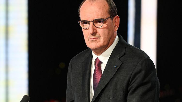 """Le Premier ministre, Jean Castex, sur le plateau du """"20 heures"""" de France 2, le 11 mai 2021 à Paris. (CHRISTOPHE ARCHAMBAULT / AFP)"""