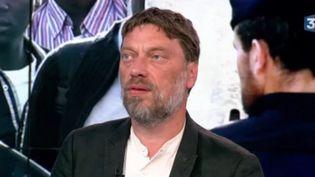 Thierry Kuhn, président d'Emmaüs France, est l'invité du Soir 3 ce vendredi 7 juillet. (FRANCE 3)