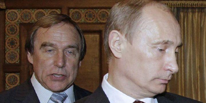 Le scandale des «Panama Papers»met en lumière un ami d'enfance du président russe, levioloncelliste Sergueï Roldouguine (à gauche, en 2009).  (Reuters / Dmitry Astakhov / Sputnik / Kremlin)