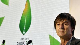 Nicolas Hulot participe à une réunion lors de la conférence climat organisée au Bourget, le 11 décembre 2015. (DOMINIQUE FAGET / AFP)