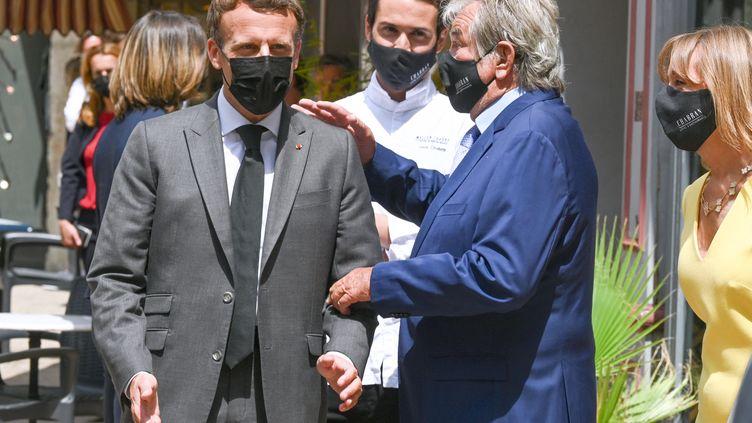 Emmanuel Macron, le 8 juin 2021, à Valence (Drôme). (PHILIPPE DESMAZES / AFP)