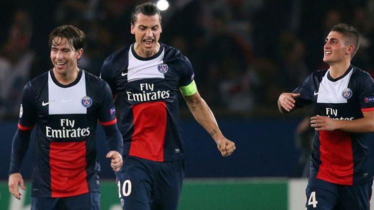 Ibrahimovic tout sourire après son deuxième but devant le Benfica Lisbonne