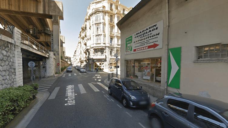 La rue Rouget de l'Isle, à Nice (Alpes-Maritimes), où deux enfants ont été retrouvés morts dans l'appartement de leur père, blessé, jeudi 27 mars 2014. (GOOGLE STREET VIEW)