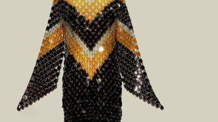 Paco Rabanne printemps-été 1969 : robe tunique en pastilles de rhodoïd vendue 43,750 euros. Record mondial pour une pièce de Paco Rabanne.Collection Quidam de Revel (WESTIMAGE - ART DIGITAL STUDIO)
