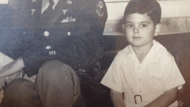 George Durst, accompagné de son fils George, en Caroline du Sud (Etat-Unis) en 1946. (FAMILLE DURST)