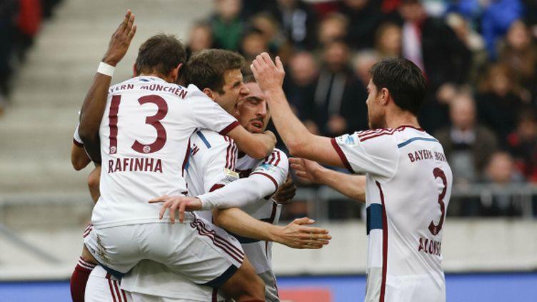 A Hanovre (1-3), Thomas Müller (à droite) et le Bayern ont accentué leur avance en tête de la Bundesliga.