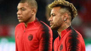 Kylian Mbappé et Neymar, le 24 octobre 2018, à Paris. (FRANCK FIFE / AFP)