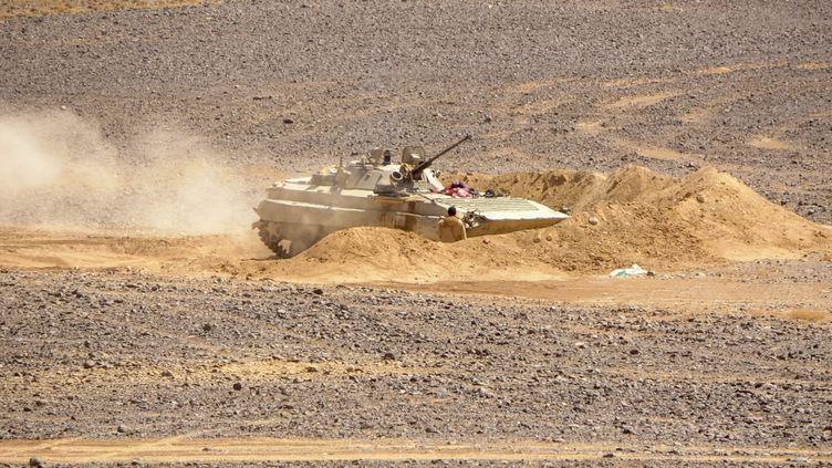 Un véhicule blindé des forces loyalistes au Yémen, le 11 février 2021. (AFP)