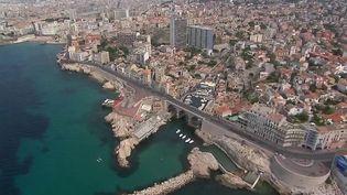 Immobilier : hausse des prix à Marseille, le nouvel Eldorado des Franciliens (France 2)