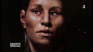 Envoyé spécial. Des chercheurs ont réussi à redonner un visage à une jeune migrante dont le squelette a été trouvé au Texas (FRANCE 2 / FRANCETV INFO)