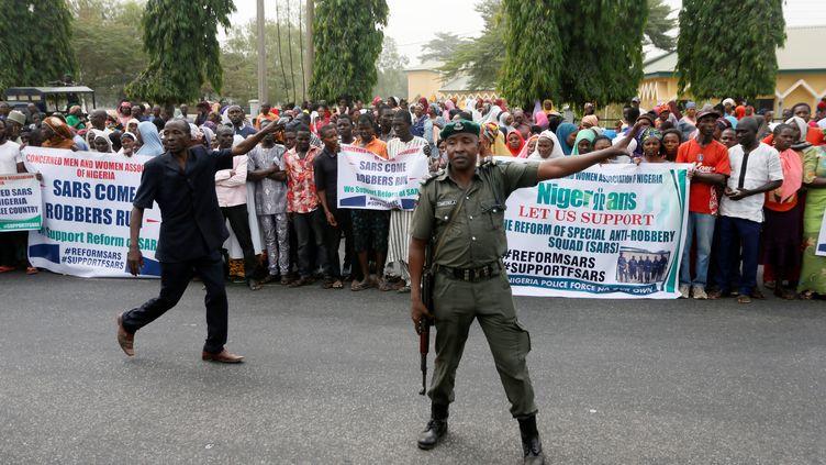 Manifestation pour réclamer une réforme de la SARS, le 11 décembre 2017 à Abuja, la capitale du Nigeria.  (AFOLABI SOTUNDE / X02098)